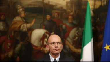 Italian Prime Minister Enrico Letta attends a news conference with European Parliament President Martin Schulz (not pictured) at Chigi palace in Rome, May 10, 2013. REUTERS/Tony Gentile 