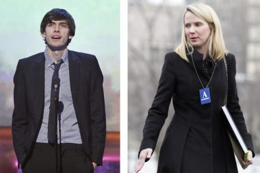 A combination photo shows Tumblr CEO David Karp (L), winner for best community website, speaking at the 16th annual Webby Awards in New York on May 21, 2012 and Marissa Mayer (R), President and CEO of Yahoo, arriving to meet with U.S. President Barack Obama and other CEOs at the White House in Washington on February 5, 2013.  REUTERS/Stephen Chernin (L), Joshua Roberts (R)/Files