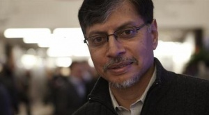 Phaneesh Murthy poses during the World Economic Forum (WEF) in Davos, January 26, 2013. REUTERS/Denis Balibouse/Files