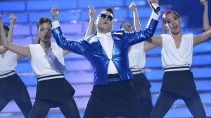 "South Korean pop star Psy performs ""Gentleman"" during the Season 12 finale of ""American Idol"" in Los Angeles, Calfiornia May 16, 2013. REUTERS/Phil McCarten"