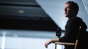 Facebook CEO Mark Zuckerberg sits for audience questions in an onstage interview for the Atlantic Magazine in Washington, September 18, 2013. REUTERS/Jonathan Ernst/Files