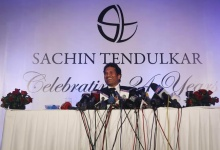 Indian cricket player Sachin Tendulkar speaks during a news conference a day after his retirement in Mumbai November 17, 2013.  REUTERS/Danish Siddiqui
