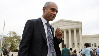 Aereo CEO and Founder Chet Kanojia departs the U.S. Supreme Court in Washington April 22, 2014. REUTERS/Jonathan Ernst