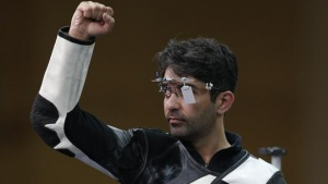 Abhinav Bindra celebrates winning the men's 10m air rifle shooting event at Barry Buddon shooting centre at the 2014 Commonwealth Games in Glasgow, Scotland, July 25, 2014. REUTERS/Russell Cheyne