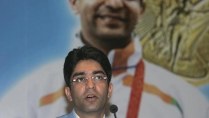 Olympic men's 10m air rifle gold medalist Abhinav Bindra speaks during a news conference in New Delhi August 14, 2008.  REUTERS/Parth Sanyal/Files