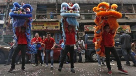Members of the Chinese community perform a lion dance as they take part in the celebrations to mark the Chinese New Year in Kolkata, February 8, 2016. REUTERS/Rupak De Chowdhuri