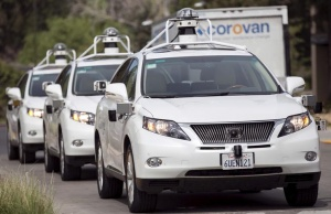 A line of Lexus SUVs equipped with Google self-driving sensors await test riders during a media preview of Google's prototype autonomous vehicles in Mountain View, California September 29, 2015.  REUTERS/Elijah Nouvelage