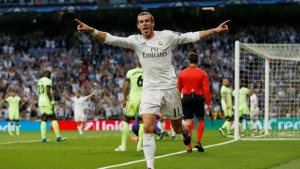 Football Soccer - Real Madrid v Manchester City - UEFA Champions League Semi Final Second Leg - Estadio Santiago Bernabeu, Madrid, Spain - 4/5/16Gareth Bale celebrates scoring the first goal for Real MadridAction Images via Reuters / Carl Recine