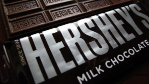 Hershey's chocolate bars are shown in this photo illustration in Encinitas, California January 29, 2015.  Chocolate maker Hershey Co reported a lower-than-expected quarterly revenue as demand for bakery and meat snacks hurt chocolate sales.   REUTERS/Mike Blake