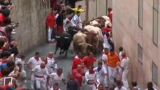 Day six of Pamplona bull run slippery but free of major injuries
