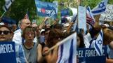 Thousands rally in New York to suppor