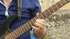 Oxford University scientist uncovers physics of the guitar