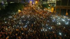 Hong Kong protesters on FireChat reveal decentralized future