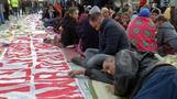 Syrian refugees stage hunger strike in front of Greek parliament