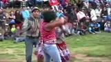 ペルーで「殴り合い祭り」開催、戦って住民間のわだかまりを解消(字幕・16日)