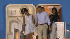 First family arrives in Hawaii for Christmas vacation