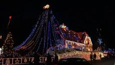 German house sparkles with over 400,000 Christmas lights