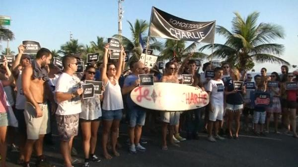 Brazilians join solidarity march for Paris attacks
