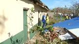 Battle to get aid to Vanuatu islands