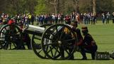 Gun salute marks Queen's 89th birthday