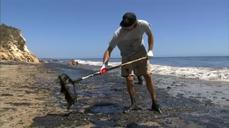 California oil spill: 7700 gallons of oil sopped up in third day of cleanup