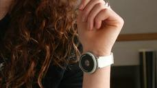 Mood-changing wearable tech sets pulses racing