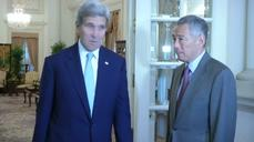 U.S. Secretary of State John Kerry meets Singapore's prime minister