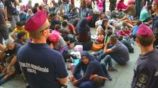 Migrants outraged as Hungary closes train station