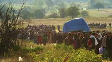 Migrants cross from Macedonia to Serbia