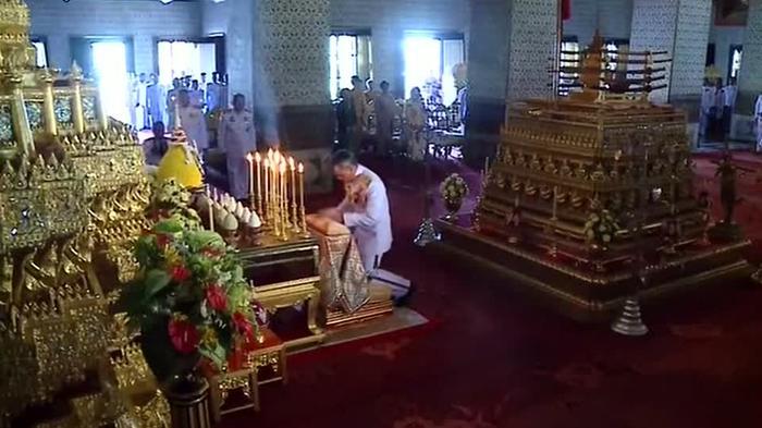 Thais mark 60th coronation anniversary