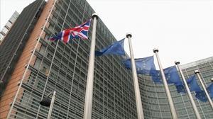 Brexit hits Heathrow, UK consumers