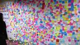 纽约地铁现便利贴墙 成大选后民众情绪宣泄出口
