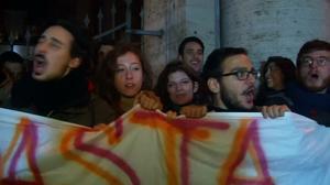 Opponents celebrate Renzi defeat