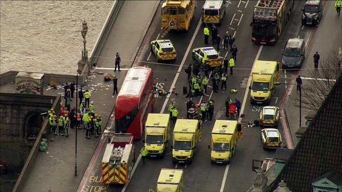 Eyewitnesses describe attack near British parliament