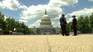 Congress sidesteps shutdown - for at least a week