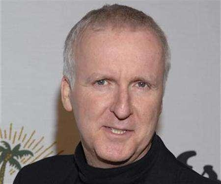 Director James Cameron in Beverly Hills, November 9, 2006. Cameron is set to direct the sci-fi adventure saga ''Avatar,'' his first dramatic feature since the Oscar-winning blockbuster ''Titanic'' in 1997, distributor 20th Century Fox said Monday. REUTERS/Phil McCarten