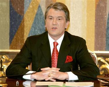 Ukraine's President Viktor Yushchenko speaks after talks in Kiev April 2, 2007. REUTERS/Gleb Garanich