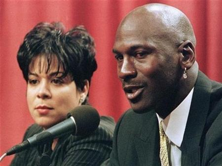 Former basketball superstar Michael Jordan and his wife Juanita Vanoy are shown in this January 13, 1999 file photograph. Jordan's pending divorce from his wife of nearly 18 years, Chicago bank officer Juanita Vanoy, could end up as the most expensive in entertainment history, Forbes said, if his estranged spouse walks away with half his fortune. REUTERS/Sue Ogrocki/Files