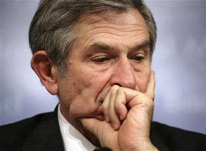 World Bank President Paul Wolfowitz looks down during a closing news conference at the final day of the International Monetary Fund and World Bank spring meeting in Washington, in this April 15, 2007 file photo. REUTERS/Yuri Gripas/Files