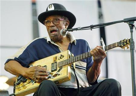 Bo Diddley performs in New York in a 2004 photo. A week after suffering a stroke following a gig in Iowa, the rock legend was being transferred on Monday from the intensive care unit to a regular room at Creighton University Medical Center in Omaha, Neb. REUTERS/Jeff Christensen