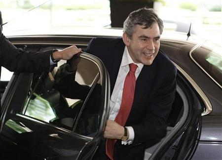 British Prime Minister Gordon Brown arrives to speak at the Labour Party Policy Forum at the Radisson Hotel at Heathrow Airport in London July 14, 2007. REUTERS/Stephen Hird