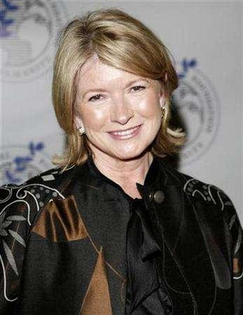Martha Stewart is seen in New York May 20, 2007. Martha Stewart is getting crafty with DIY Network. The cable network and Martha Stewart Living Omnimedia said Tuesday that DIY will premiere a half-hour series, ''Martha Stewart Crafts,'' on November 22, Thanksgiving Day. REUTERS/Chip East