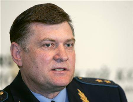 Lieutenant-General Igor Khvorov, Russia's air force chief of staff, speaks during a news conference in Moscow August 9, 2007. A missile, which Georgia said was fired on Monday by a Russian jet trespassing in its airspace, landed near South Ossetia. Khvorov flatly denied any Russian role in the missile incident. REUTERS/Alexander Natruskin