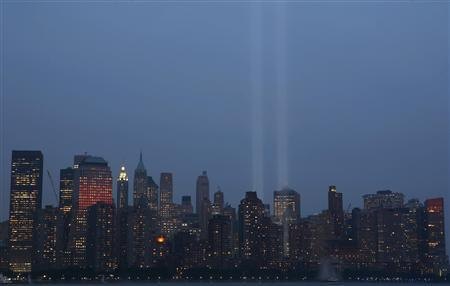 The ''Tribute in Lights'' shines on the skyline of lower Manhattan as the sixth anniversary of the attack on the World Trade Center is observed in New York, September 11, 2007. REUTERS/Gary Hershorn