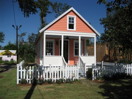 A Katrina Cottage, a low-cost alternative housing option that is gaining appeal beyond the hurricane affected areas it was originally intended for, in an undated photo. REUTERS/Lowes/Handout