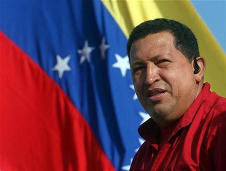 Venezuelan President Hugo Chavez is seen in Maturin September 17, 2007. Chavez wants Venezuelan clocks turned back half an hour and he wants it done in record time -- next Monday. REUTERS/Miraflores Palace/Handout