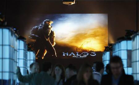 Guests mingle during the Xbox 360 ''Halo 3'' Multiplayer Beta video game preview party at Quixote Studios in Los Angeles in this May 15, 2007 file photo. REUTERS/Mario Anzuoni