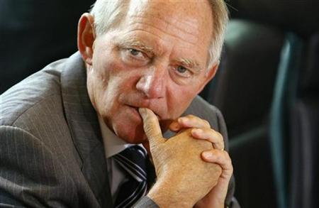 German Interior Minister Wolfgang Schaeuble arrives to the weekly cabinet meeting in Berlin September 5, 2007. The network of the suspects arrested last month in an al Qaeda-linked bomb plot in Germany may have extended to Syria and other countries in Europe, Schaeuble said on Monday. REUTERS/Tobias Schwarz