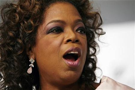 Oprah Winfrey arrives to attend the 2007 CFDA Fashion Awards in New York June 4, 2007. REUTERS/Lucas Jackson
