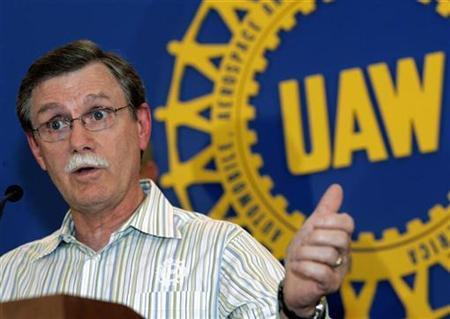 United Auto Workers President Ron Gettelfinger on September 24, 2007. Negotiators from Chrysler LLC and the UAW were set to resume contract talks on Monday after the union set a deadline for wrapping up negotiations this week. REUTERS/Rebecca Cook